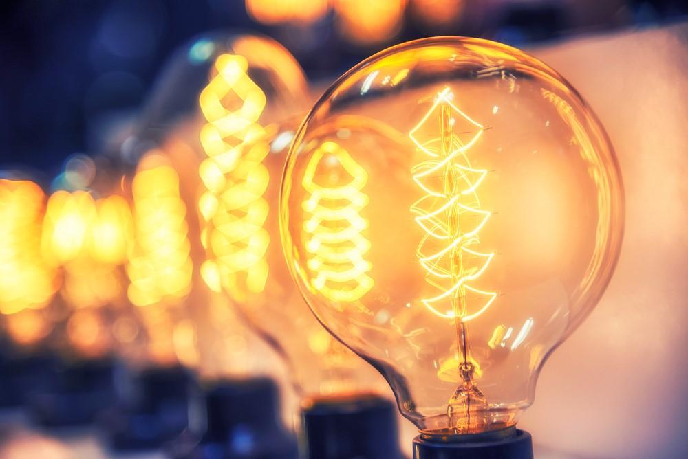 Ahorra energía en tu hogar reformado gracias a un comparador de luz y gas.